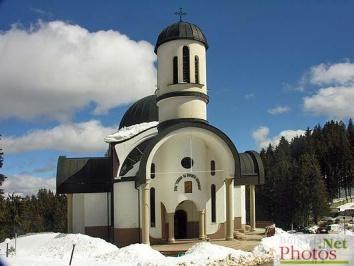 Εκκλησία Κοιμήσεως της Θεοτόκου χωριό Παμπόροβο