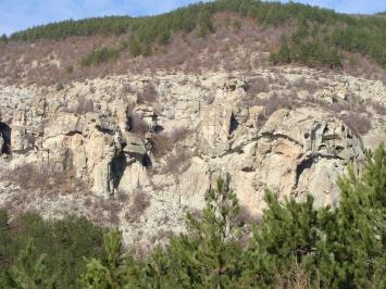 Πέτρινες κόγχες - χωριά Dazhdovnitsa και Nenkovo