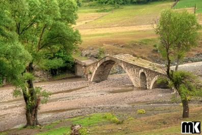 Μεσαιωνική γέφυρα - χωριό Nenkovo