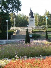Μνημείο για τους απελευθερωτές στο City Garden του Kardzhali