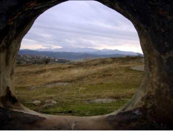 Θρακικός πέτρινος τάφος - χωριό Yagnevo