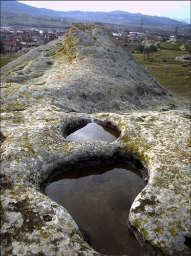 Θρακικό ιερό κοντά στο χωριό Samokitka