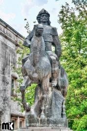 Μνημείο του Khan Krum και το μνημείο της Μητέρας Βουλγαρία